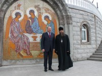 Губернатор Камчатского края В.И. Илюхин посетил кафедральный Собор Святой Живоначальной Троицы