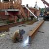 В восстанавливаемом храме Святой Живоначальной Троицы в г. Елизово установили первые части металлоконструкций