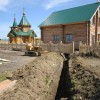 Продолжаются работы по благоустройству территории храма Святого Николая Чудотворца в селе Никольском