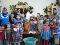Восемнадцать воспитанников детского дома пос. Ягодный приняли Таинство Крещения