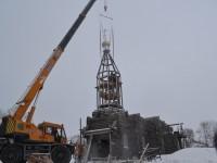 Строительство храма в поселке Палана: водружение купола и креста
