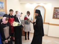 Епископ Артемий и сотрудники епархии поздравили Ивлеву О.Г. и Криволапову В.А. с юбилеем