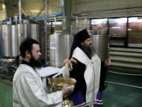 Епископ Петропавловский и Камчатский Артемий отслужил водосвятный молебен на заводе «Малкинское»