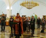 В cоборе Святой Живоначальной Троицы провели молебен с акафистом царю Николаю II