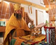 В день своего тезоименитства Епископ Артемий совершил Божественную литургию в скиту мужского монастыря