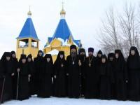 В день Собора Пресвятой Богородицы епископ Артемий совершил молебен в епархиальном женском монастыре