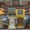 Мощевик с частицами мощей 90 угодников Божиих представлен для всеобщего поклонения в Кафедральном соборе