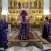 В день Воздвижения Креста Господня архиеп. Артемий совершил Божественную литургию в кафедральном соборе