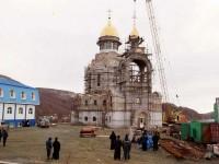 Звонница Морского собора увенчана куполом с крестом