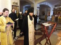 Архиепископ Феодор совершил Божественную Литургию и Панихиду в день памяти святителя Иоанна Златоуста