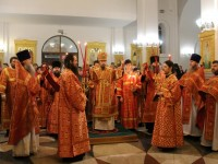 В праздник Светлого Христова Воскресения Архиепископ Феодор возглавил торжественное богослужение в Свято-Троицком кафедральном соборе