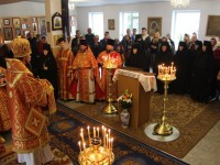В Неделю святых Жен-мироносиц архиепископ Феодор совершил Литургию в епархиальном женском монастыре