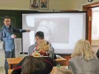 В рамках Воскресной школы для взрослых, московский иконописец и фотограф провел мастер-класс по основам композиции в фотовидеографии