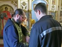 Божественная литургия в храме свт. Николая Чудотворца при ИК-5