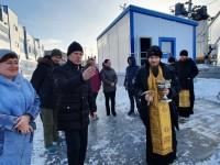 Управляющий епархией освятил рыбоперерабатывающий завод