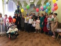 Добровольцы социального отдела епархии поздравили зимних именинников детского дома «Ягодка»