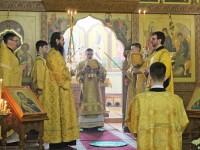 Управляющий епархией совершил Божественную литургию в Кафедральном соборе