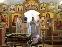 В Великую Субботу Управляющий епархией совершил Литургию в Морском соборе