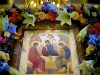 Цветы для Свято-Троицкого кафедрального собора