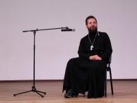 В Духовно-просветительском центре «Сретение» состоялась встреча со священником Стахием Колотвиным