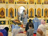 В праздник Успения Пресвятой Богородицы Архиепископ Феодор совершил Литургию в Успенском храме г. Елизово
