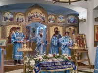 В канун праздника Успения Пресвятой Богородицы Управляющий епархией совершил всенощное бдение в Морском соборе