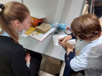 Православная молодежь провела мастер-класс по славянской каллиграфии на Ярмарке социальных проектов в КВЦ