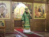 Архиепископ Феодор совершил Литургию в день памяти преподобного Никона Радонежского