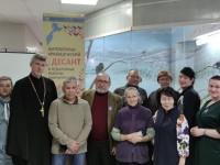 Состоялась встреча прихожан храма п. Палана с поэтом Владимиром Татауровым