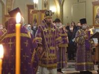 В праздник Торжества Православия Архиепископ Феодор совершил Литургию в Свято-Троицком кафедральном соборе