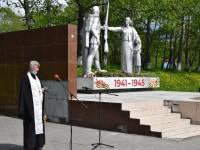 Священнослужитель храма свт. Николая Чудотворца п. Палана принял участие в акции «Свеча памяти»