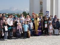 День семьи. Молебен у часовни святых Петра и Февронии