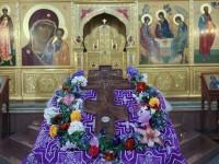 Архиепископ Феодор совершил утреню с выносом Креста и Параклисис Пресвятой Богородице