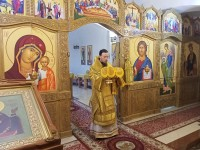Архиепископ Феодор совершил Литургию в праздник праведного воина Феодора Ушакова в Морском соборе