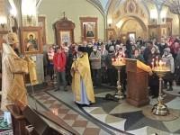 В Неделю 17-ю по Пятидесятнице Архиепископ Феодор совершил Божественную литургию в Кафедральном соборе