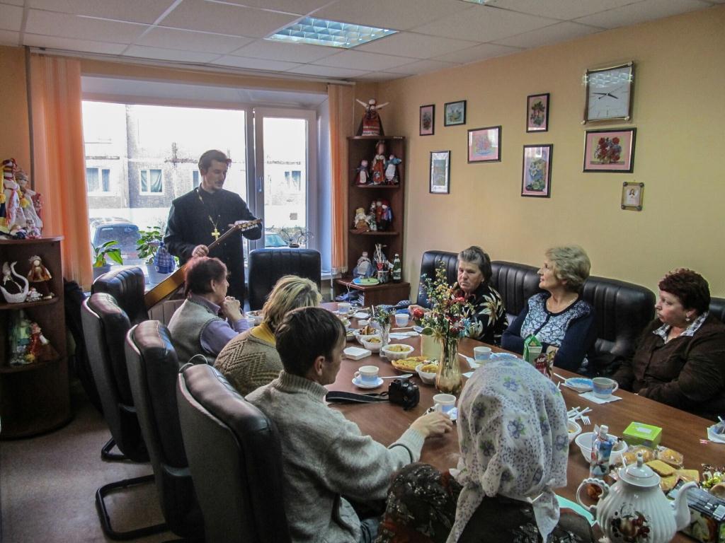Иерей Максим Дентовский провел ряд встреч с общественностью г. Вилючинска
