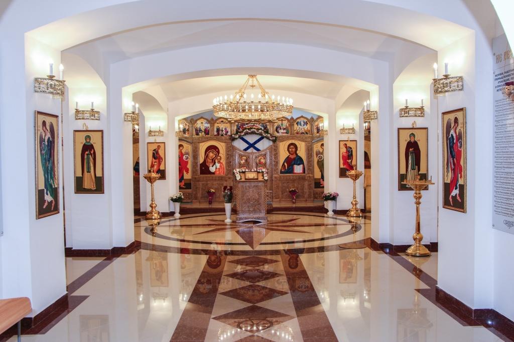 Торжества по случаю освящения нижнего храма Камчатского морского собора. Праздничное богослужение