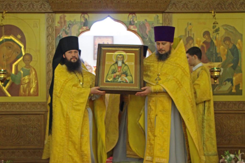 На Камчатку доставлена икона с частицей мощей св. прав. Павла Таганрогского