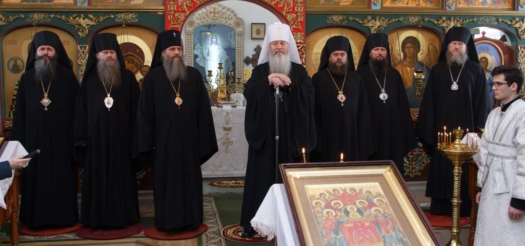 Архиепископ Артемий принял участие в Престольном празднике Михаило- Архангельского монастыря с.Козиха