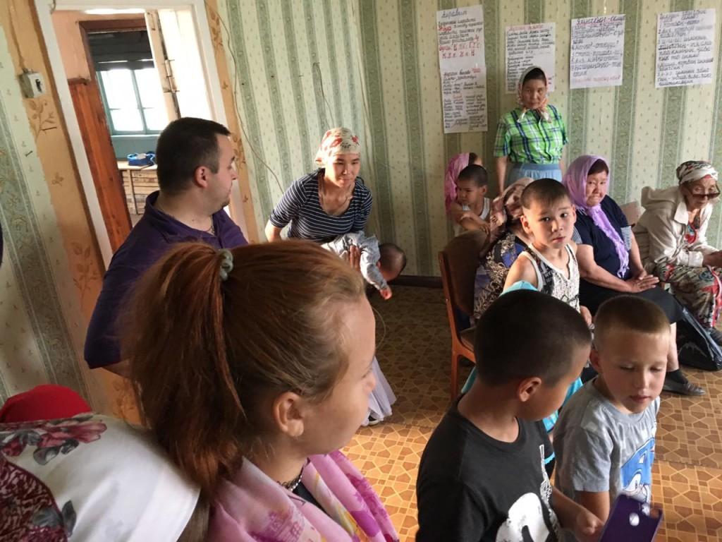 Богослужение в селе Слаутное