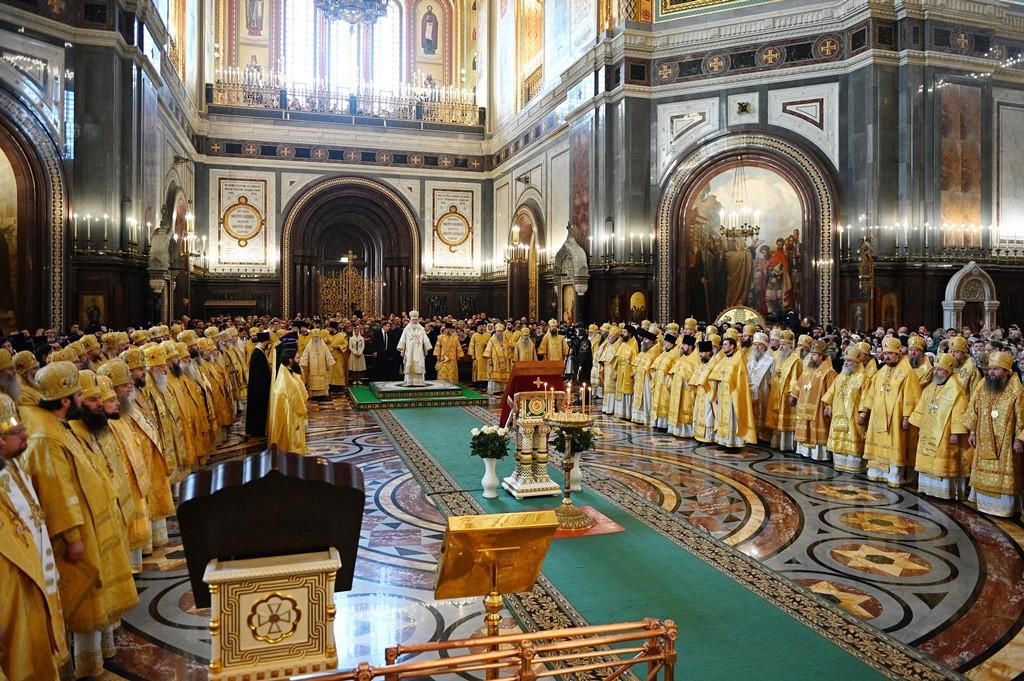 Литургия в Храме Христа Спасителя перед началом работы XXVIII Международных Рождественских чтений