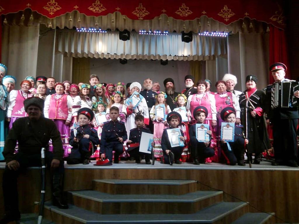 Благотворительный концерт с участием Казачьих коллективов Мильково и Ключей. Деньги с концерта пошли на строительство храма в с.Мильково