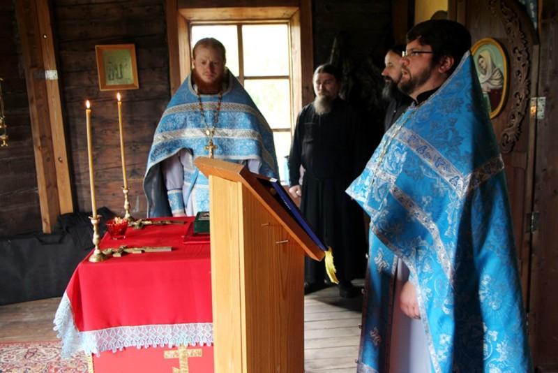 Божественная литургия в Нижнекамчатском Успенском храме