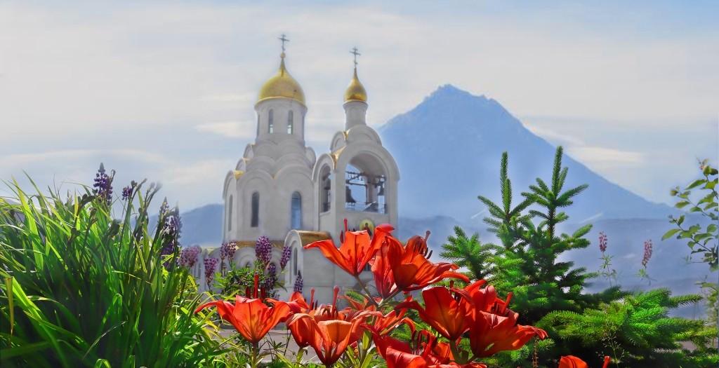 Божественная литургия в праздник святого равноапостольного князя Владимира